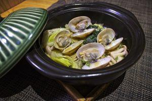 Almejas de Carril estilo sakamushi y verduras (6 und, S.M.)